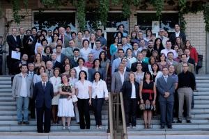 Profesores y PAS de la Facultad de Ciencias Económicas y Empresariales de la UGR en el 75 aniversario de la creación de la Escuela de Comercio